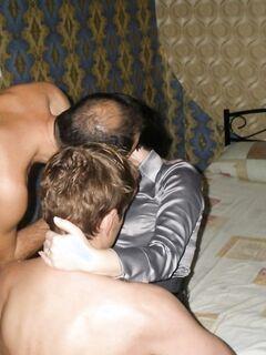 Ненасытная сексвайф изменяет мужу с двумя любовниками