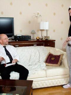 Отец и дочь испытали интимное наслаждение от инцеста, порно