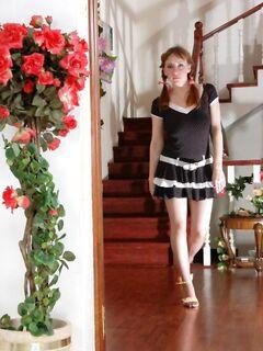 Солидный брюнет трахнул молодую дочь в уборной
