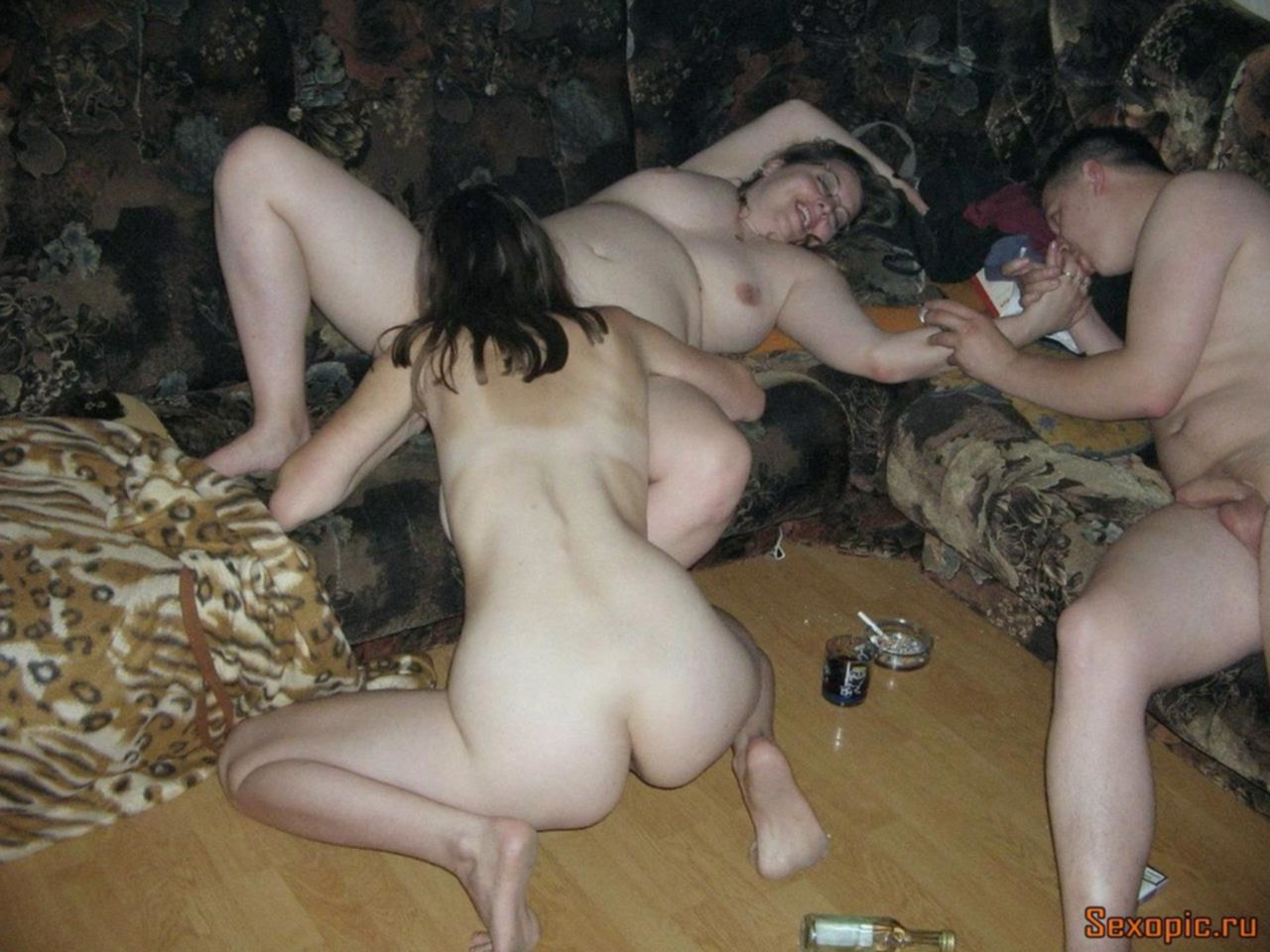 Пьяные русские свингеры снимают домашнее порно