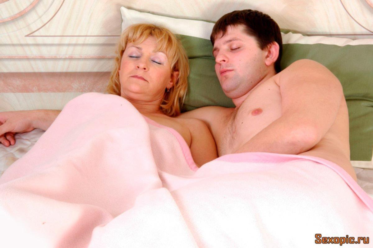 Зрелая толстушка занялась аналом со своим сыном - порно