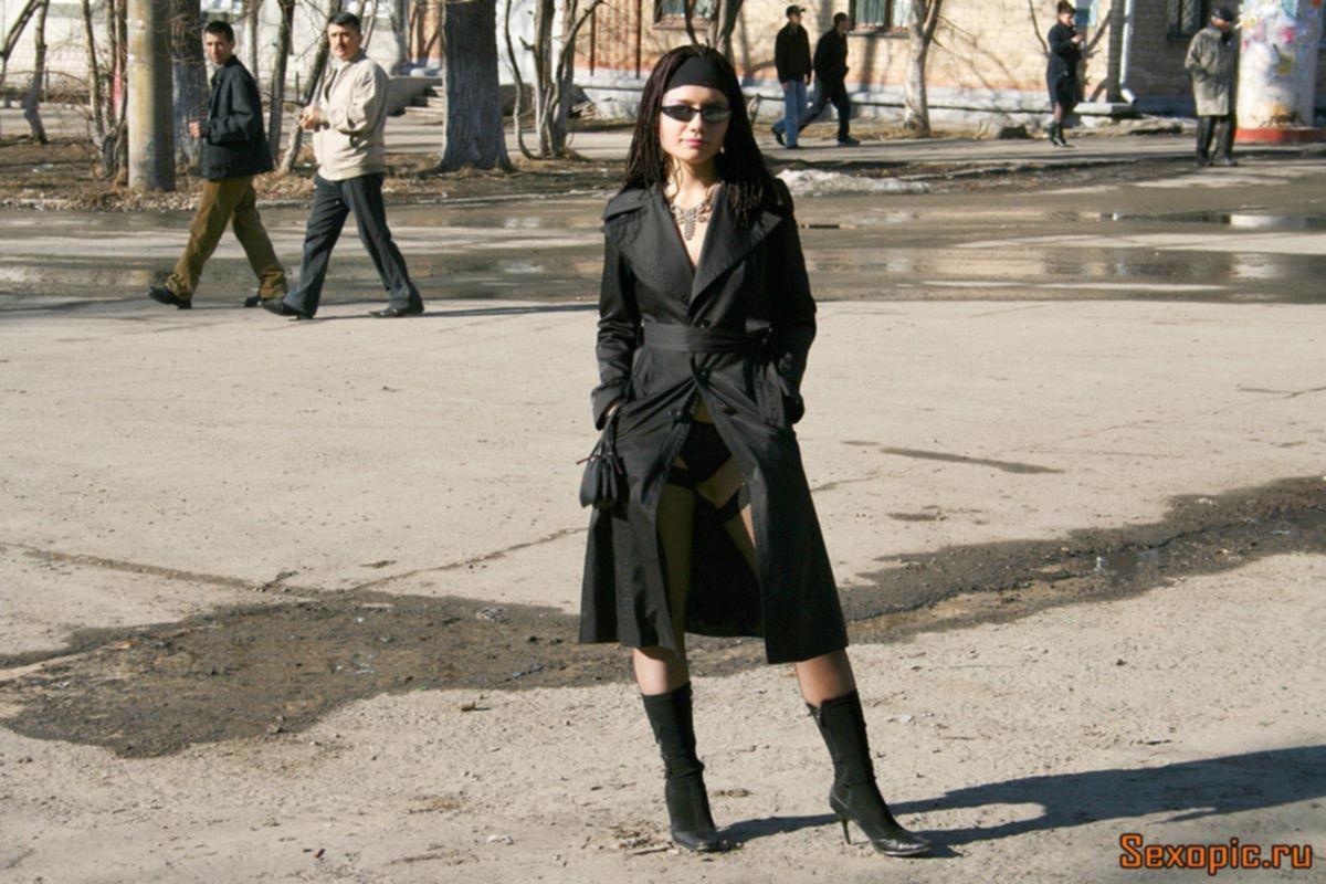 Челябинская нудистка устроила разврат на улицах города, эротика
