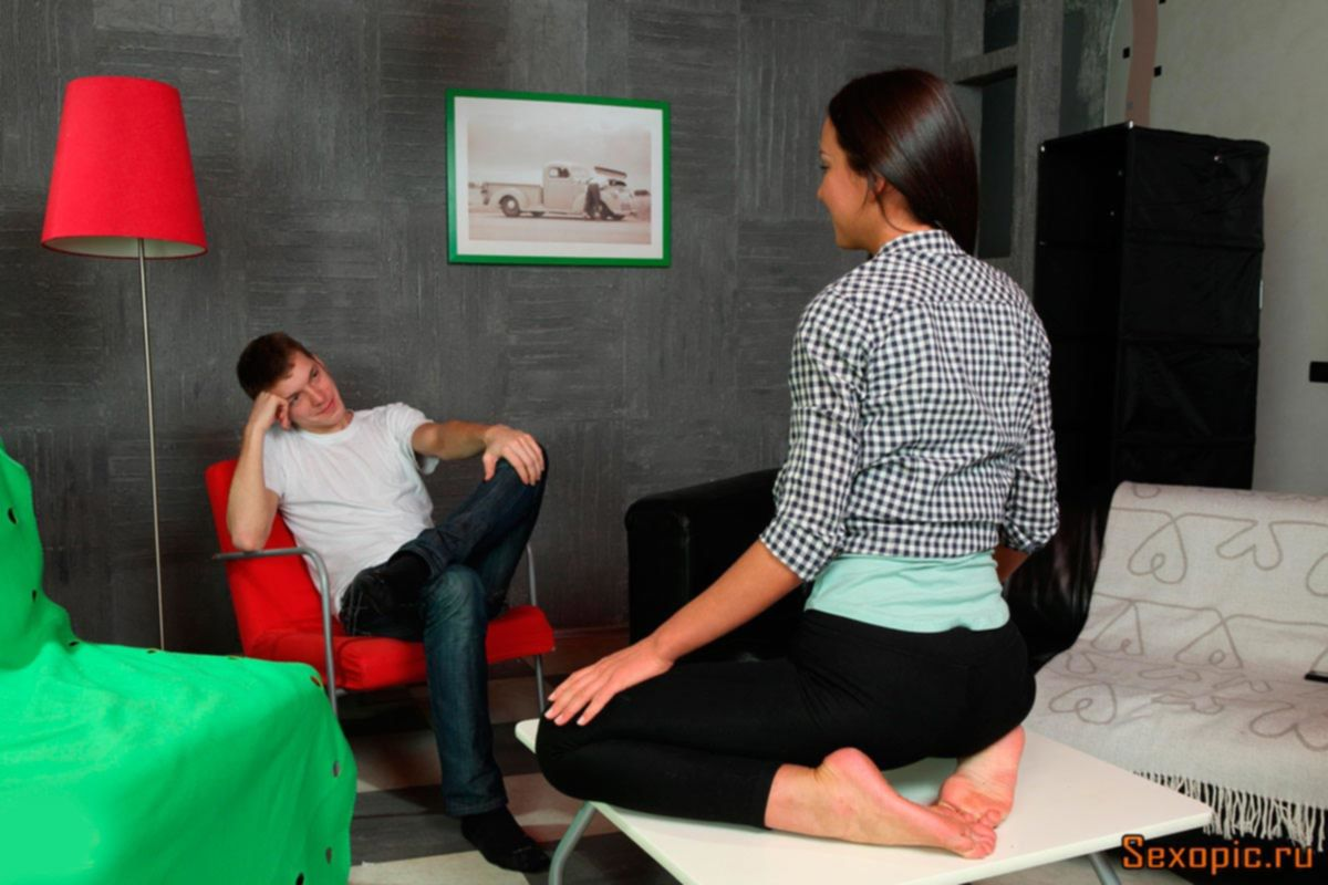 Анальный секс русских подростков в фотостудии - порно