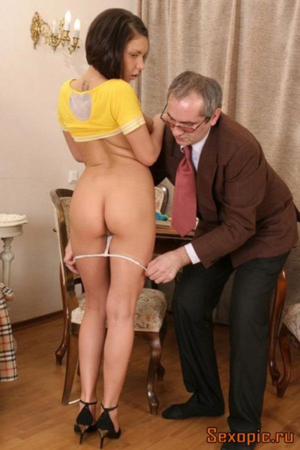 Молодая студентка ублажает пожилого препода за зачет, порно